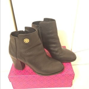 Cute Tory Burch boots in time for Fall!